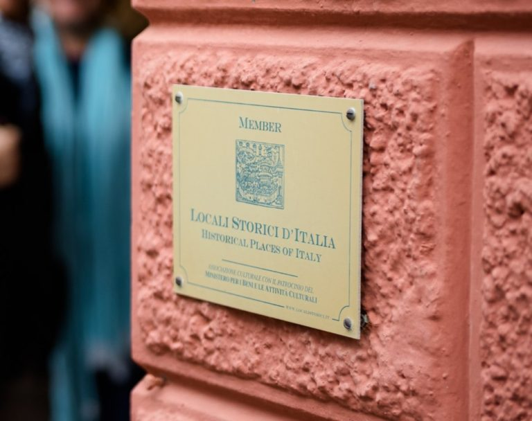 Quell'associazione nata più di quarant'anni fa che riunisce i locali storici d'Italia